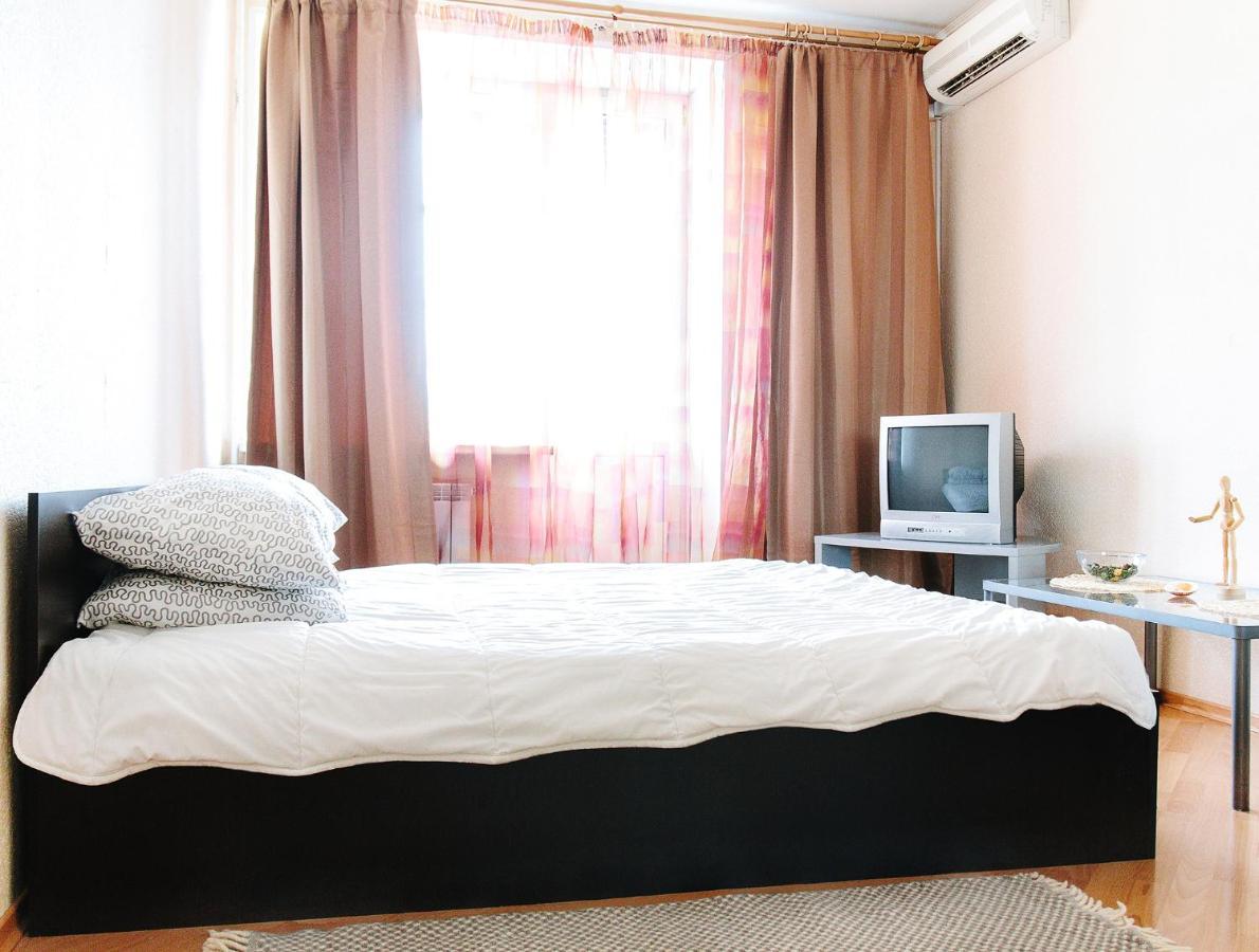 Апартаменты/квартира Апартаменты на Бережковской
