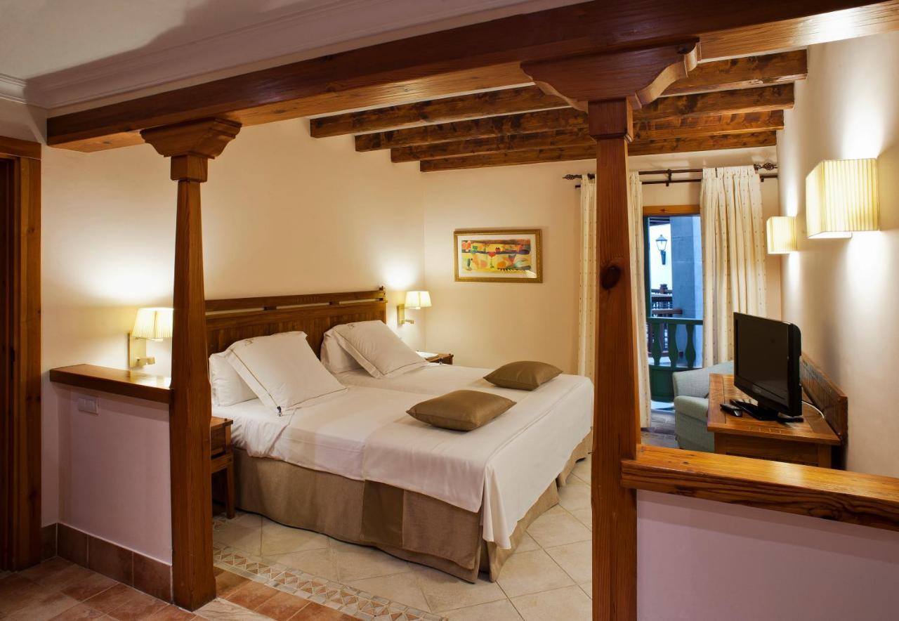 Princesa Yaiza Suite Hotel Resort, Playa Blanca – Precios ...