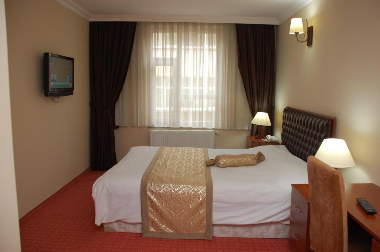 Фото  Отель  Epos Hotel
