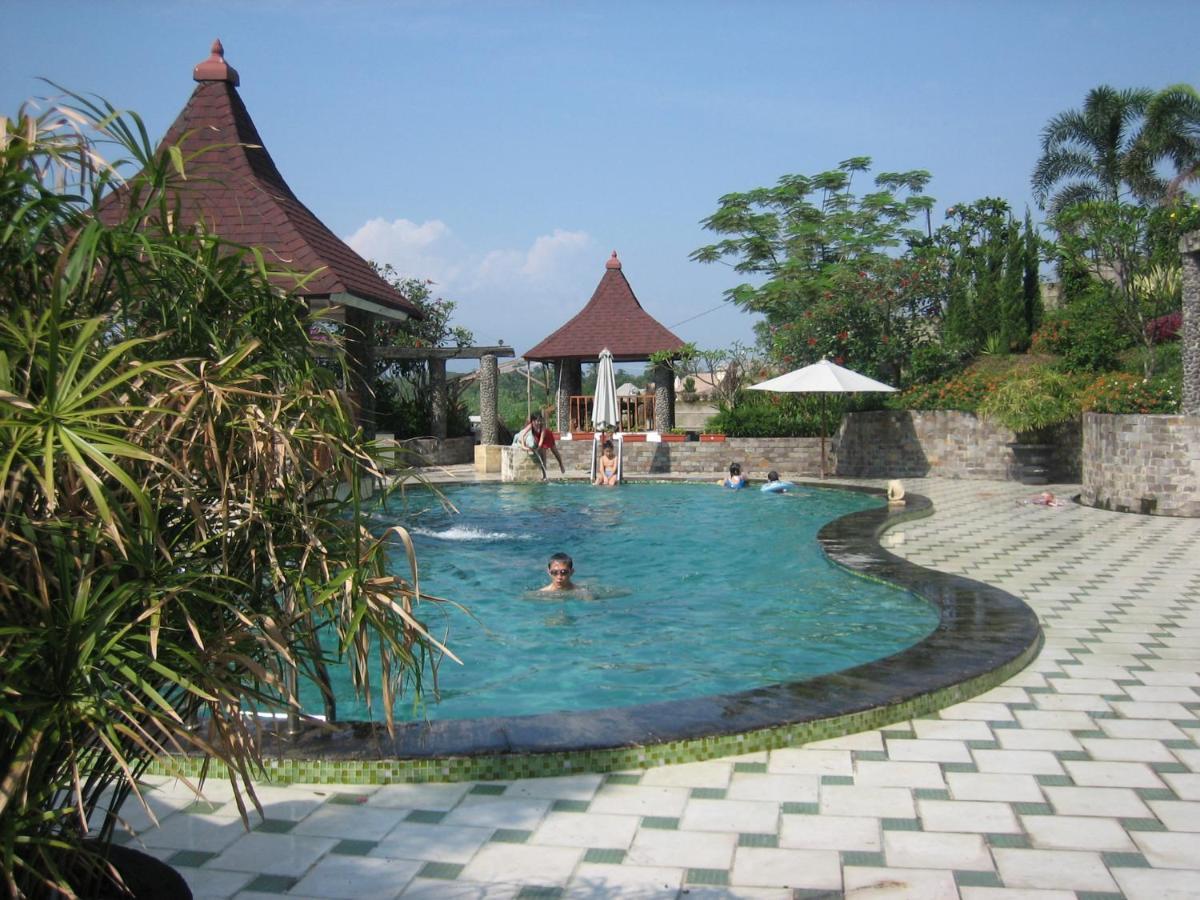 Фото  Отель  Green Wattana Hotel, Sentul City