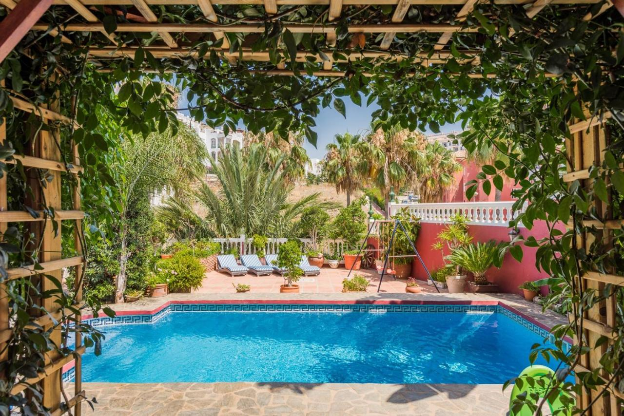 Вилла  Majestic Villa By The Beach Heated Private Pool