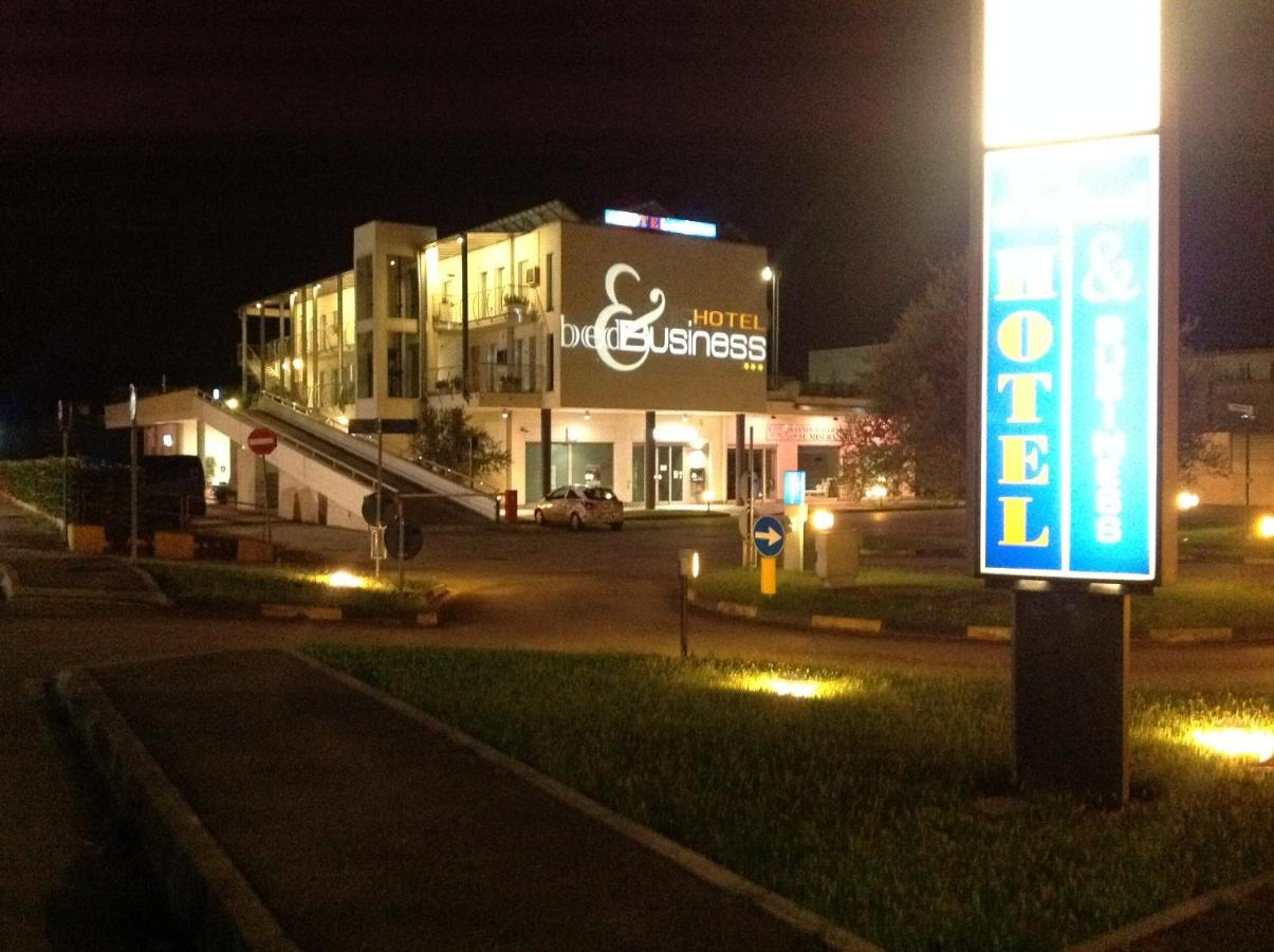 Отель  Hotel Bed&Business