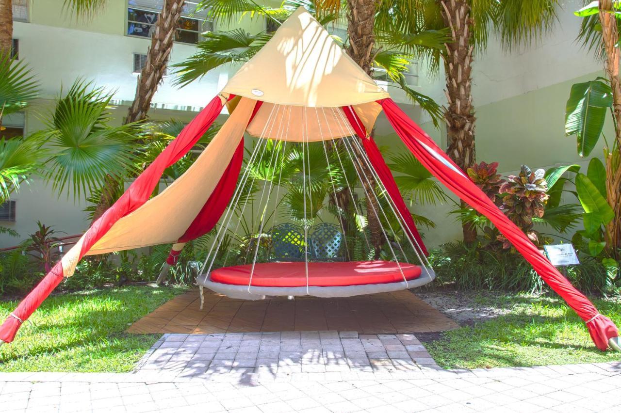 Dorchester Hotel Suites Miami Beach