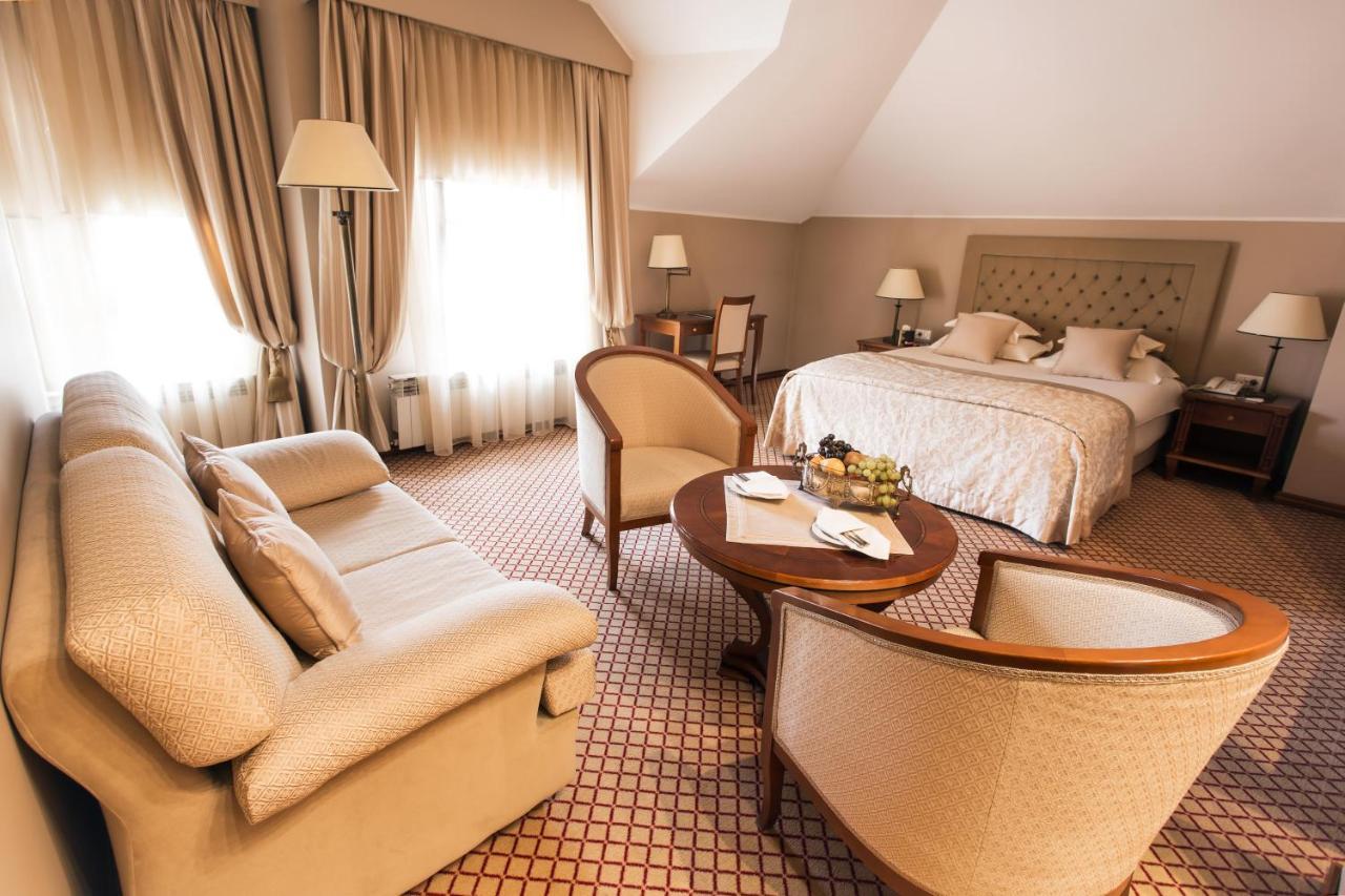 Отель  Hotel Zlatnik