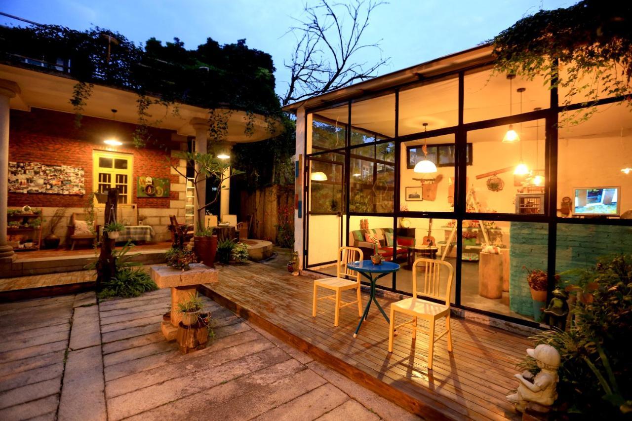 Проживание в семье Wuji Inn - Yuli Yard