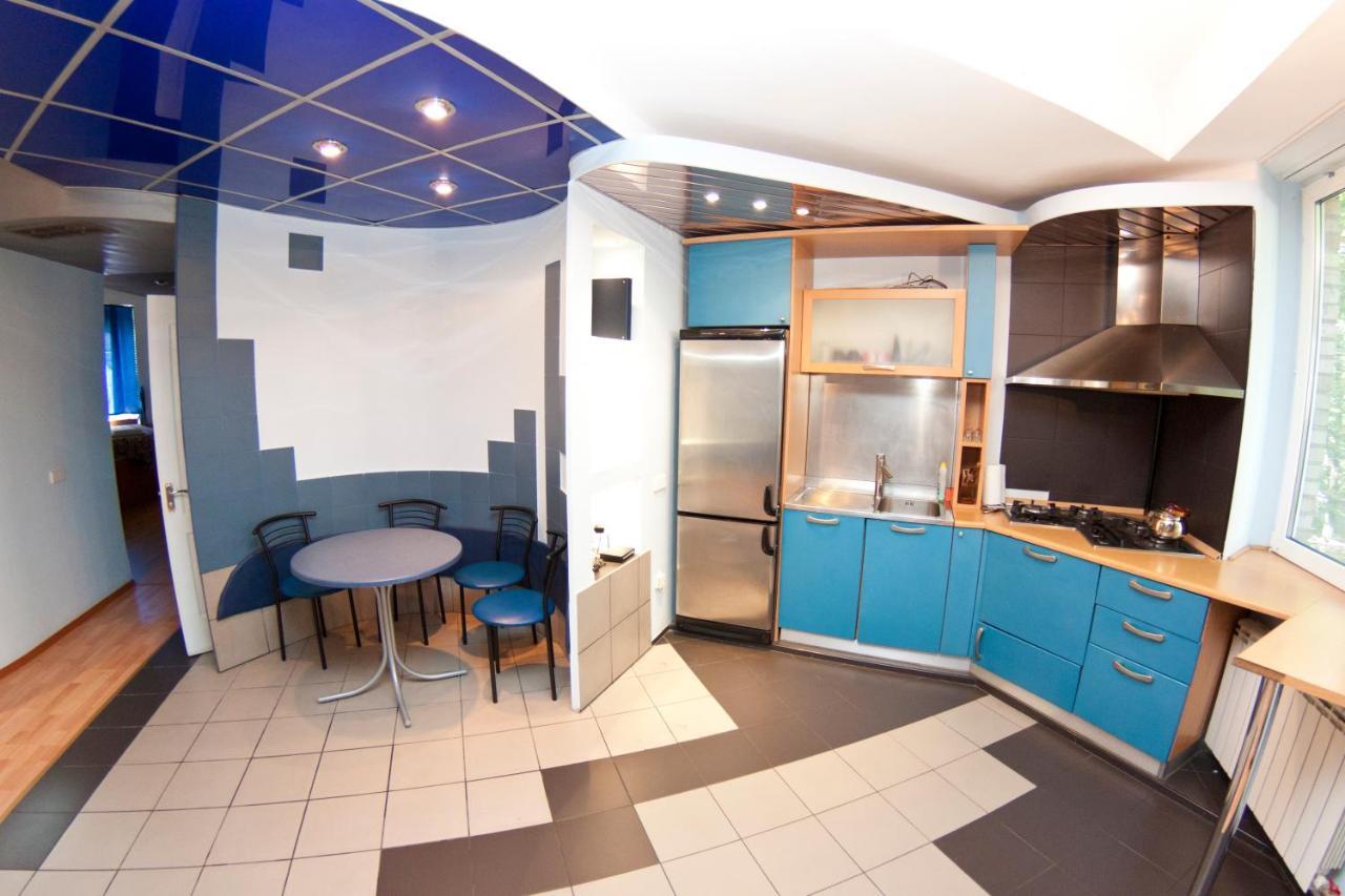 Апартаменты Apartment At Mechnikova 11