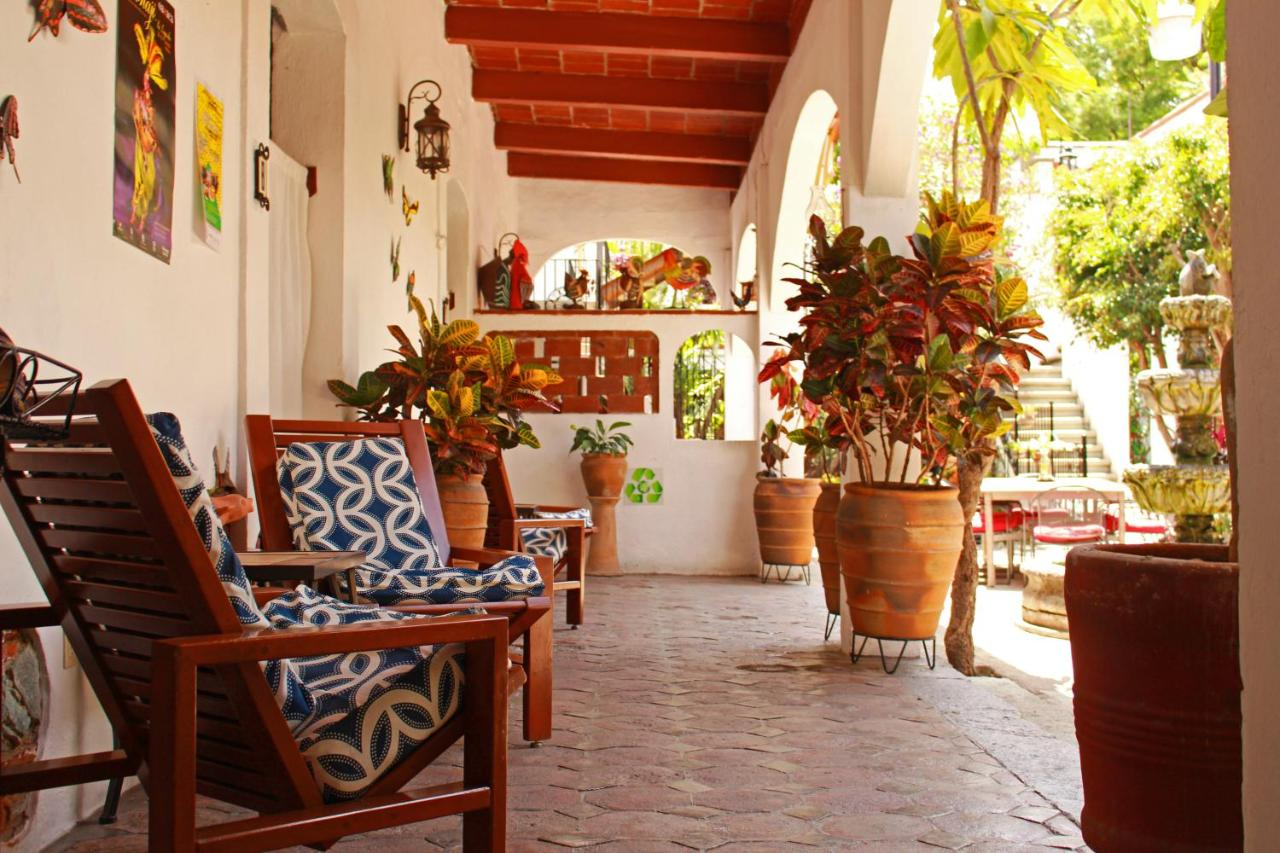 Отель  Las Mariposas Eco-Hotel & Studios