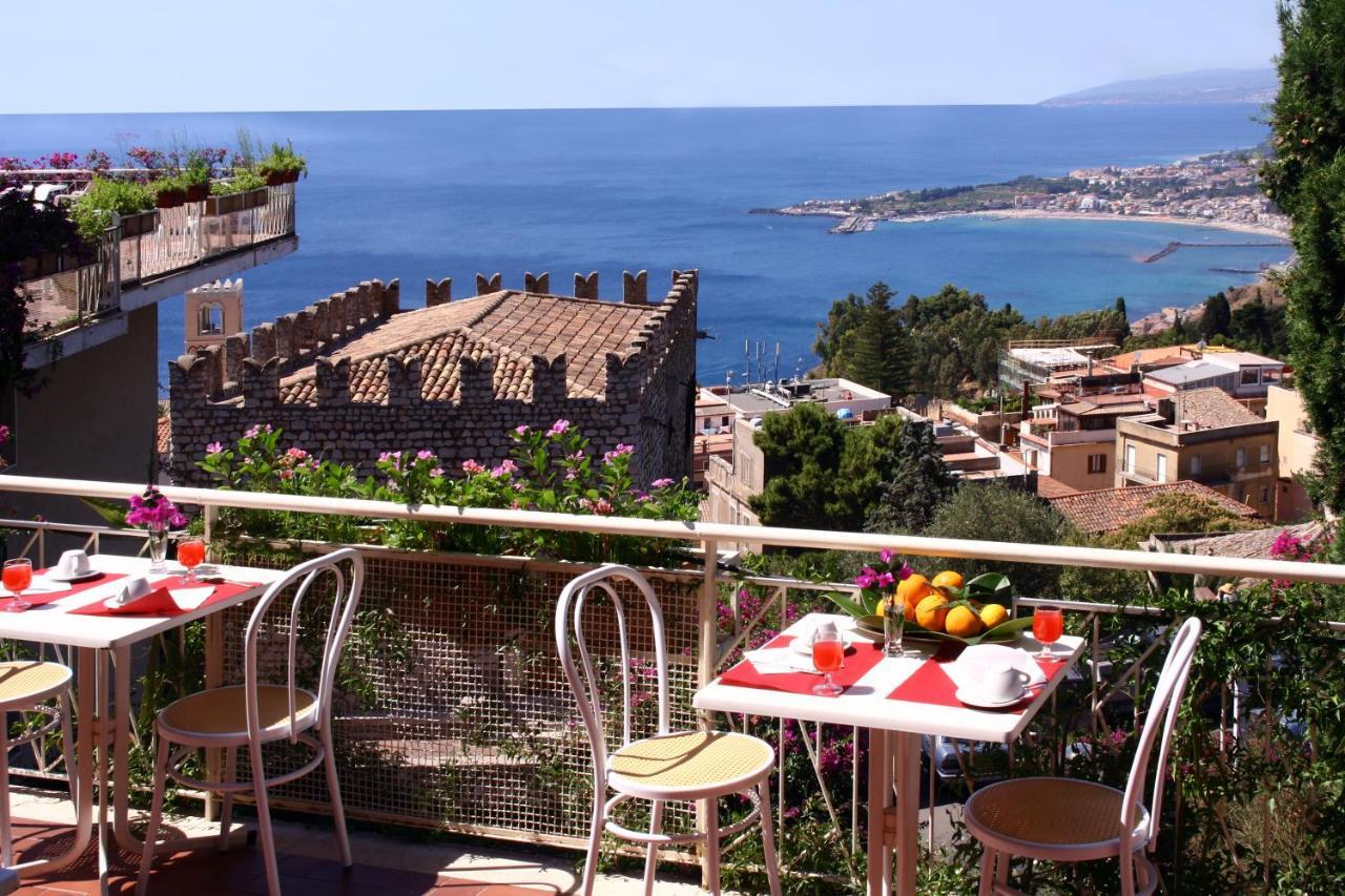 Отель  Hotel Mediterranée