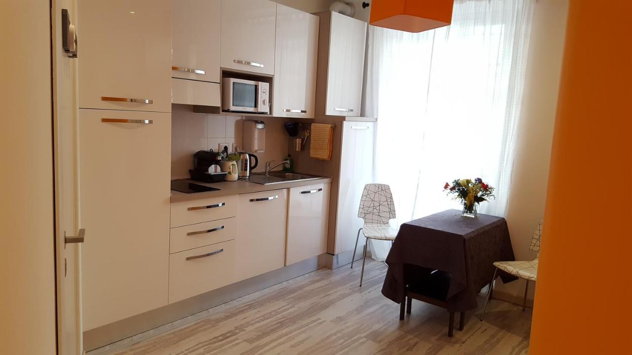 Cuisine ou kitchenette dans l'établissement Alice Vatican House