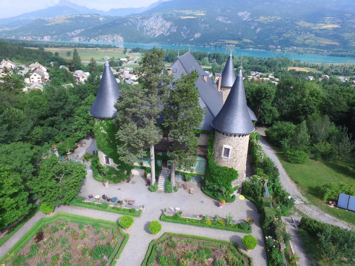 Отель  Chateau De Picomtal