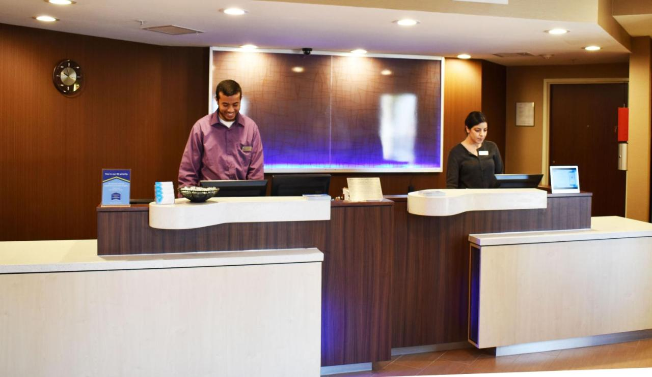 Отель  Отель  Fairfield Inn & Suites By Marriott Albuquerque Airport