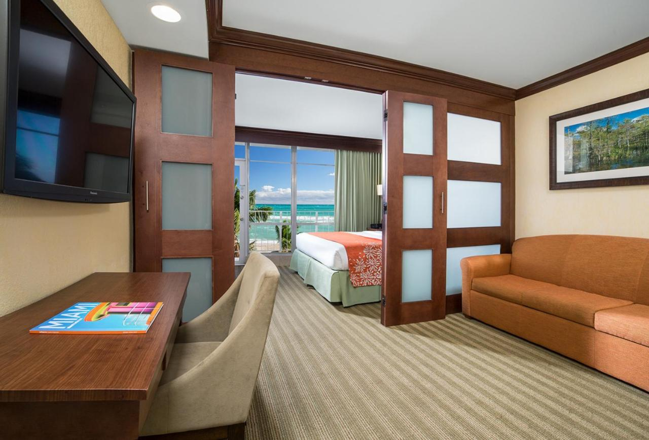 Newport Beachside Hotel Resort Sunny