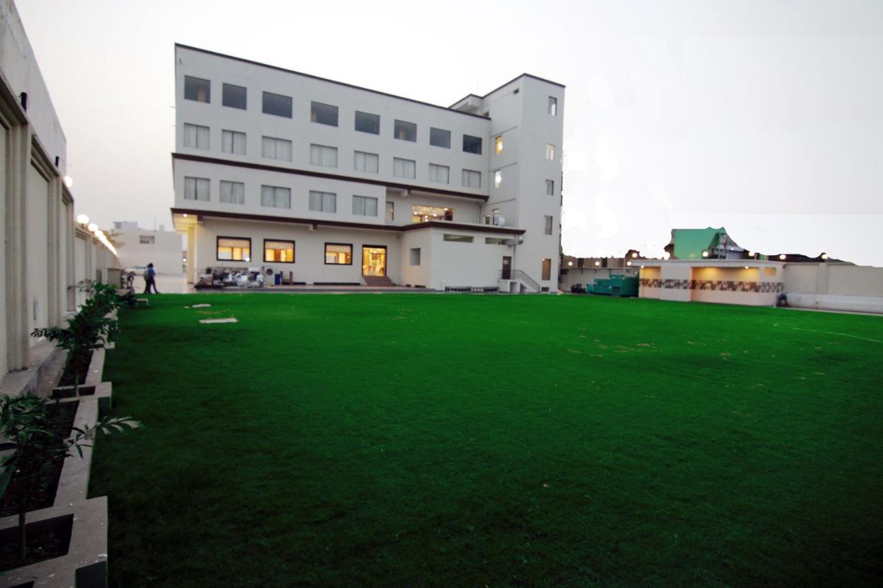 Отель  Отель  Mango Hotels Jammu