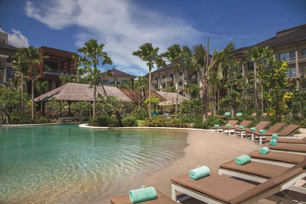 Курортный отель  Mövenpick Resort & Spa Jimbaran Bali