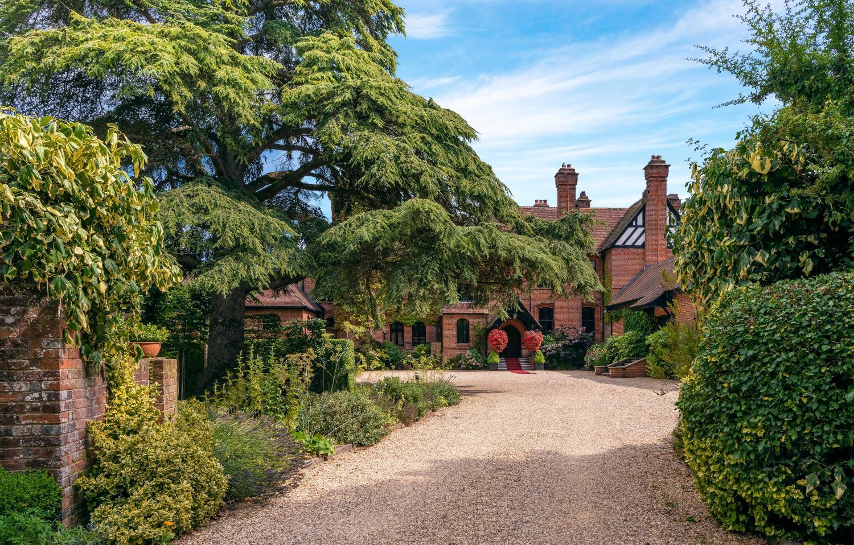Cottage Lodge Brockenhurst Brockenhurst Hampshire England   Distantias