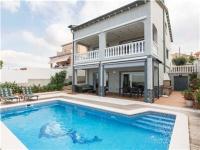 Villa Man