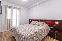 Flatguest Almansa * 3Bdr * Parking * WiFi