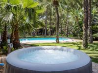 Beautiful villa with a dishwasher, close to restaurants