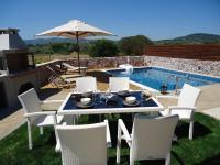 Οssiano Pool Villas