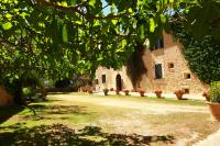 Oliver Moragues Grandhouse & Vineyard