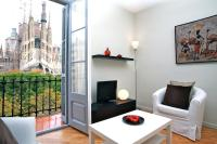 BarcelonaForRent Plaza Sagrada Familia Apartment