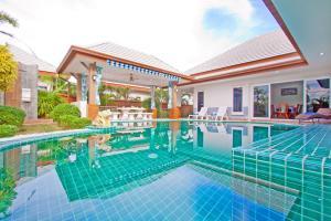 สระว่ายน้ำที่อยู่ใกล้ ๆ หรือใน Victoria Villa
