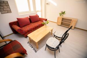 A seating area at Alytus Guesthouse