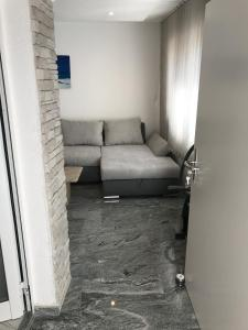 A seating area at Apartments Zara