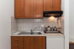 O bucătărie sau chicinetă la Saonisos
