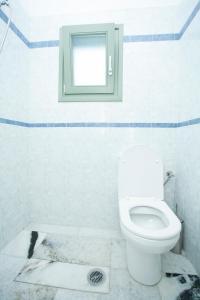 A bathroom at Kalados Studios