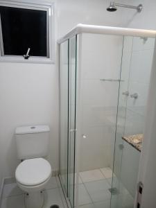 A bathroom at Apartamento na Farolândia