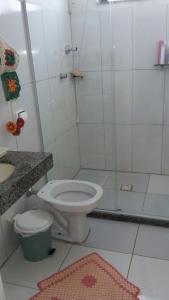 A bathroom at Apartamento Familiar em Capitólio
