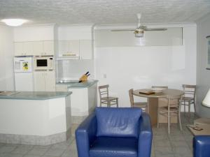 A kitchen or kitchenette at Anglesea Court