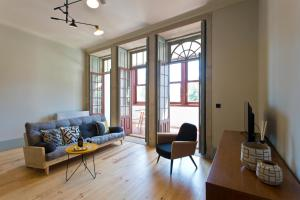 A seating area at Trait House