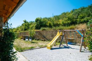 Aire de jeux pour enfants de l'établissement Apartments Casa Vuki