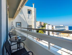A balcony or terrace at Sea and the city