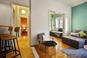 Ein Sitzbereich in der Unterkunft Athens Centre Apartment