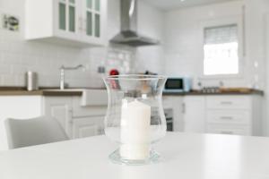 Una cocina o zona de cocina en Beach Apartment - Torre de Chilches