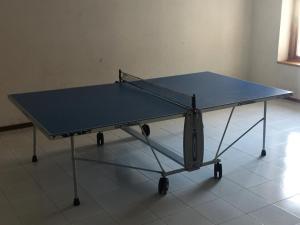 Ping-pong facilities at Appartamento Rivisondoli or nearby
