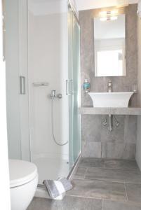 A bathroom at Petra & Fos Studios and Rooms