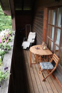 Ein Balkon oder eine Terrasse in der Unterkunft Ferienwohnung Landhausliebe