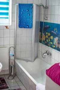 Ein Badezimmer in der Unterkunft Apartment Müller