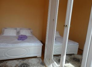 A bed or beds in a room at Apartment Kutuzovskya 2/1
