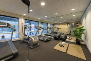 The fitness center and/or fitness facilities at Htel Serviced Apartments Amsterdam