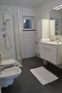 A bathroom at Apartment Meran