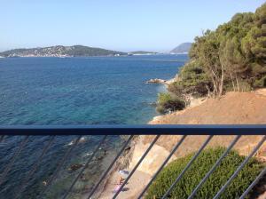 Ein Balkon oder eine Terrasse in der Unterkunft Le Cap