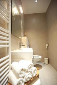 Ένα μπάνιο στο Parisseine Saint Germain Odeon