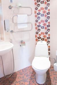Bilik mandi di Arno Apartments