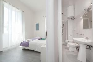 A bathroom at Residenza Maxima
