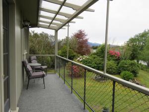 Rõdu või terrass majutusasutuses Glendale River View